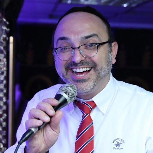 יהודה שוקרון מתכונן לאומן עם השיר 'לעולם אודך' 1