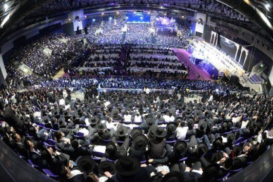 צפו: מלכות, סאמט, זאנוויל ומאיר אדלר מרקידים עשרת אלפים איש 8