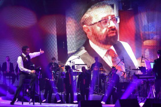 צפו: אוהד מושקוביץ עם 'סגולה' לימים הנוראים 1