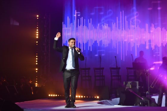 צפו: איציק דדיה עם מחרוזת מקפיצה משיריו 1