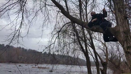 """משעשע • פיני איינהורן שר """"עלה קטן"""" על עץ בשפת הנהר 9"""