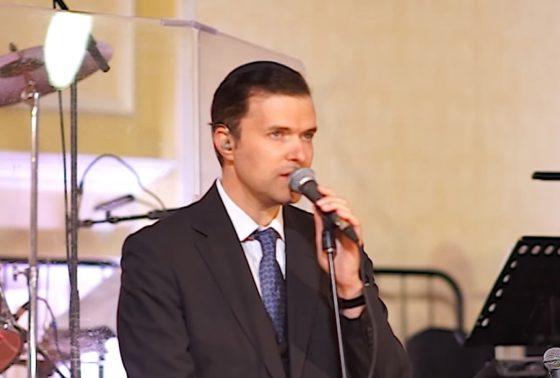 אוהד מושקוביץ מבצע מחרוזת חופה מרגשת עם מקהלת ידידים 4