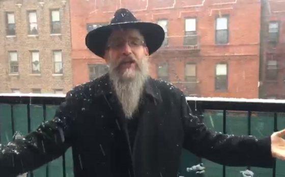 """אַדְּרַבָּה: אברהם פריד בשלג הניו יורקי על הילולת הרה""""ק מליזענסק 8"""