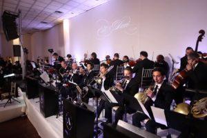 צפו: נעימת הסרט ההוליוודי מבצעת על ידי תזמורת א טים בחתונה חרדית