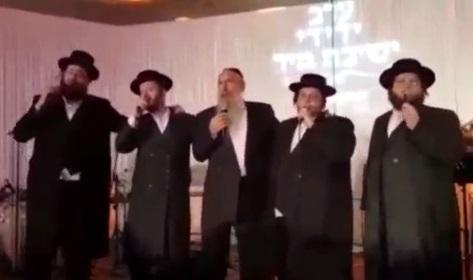 מרדכי בן דוד ומקהלת מלכות עם מחרוזת נוסטלגית ועדכנית 3