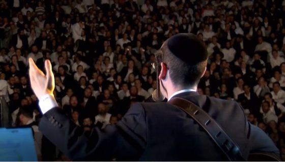 רגע לפני הקומזיץ השנתי: נחמו – דודי קנופלר, מקהלת מלכות ורובי בנט 6