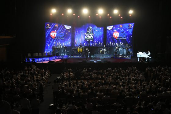 צפו: עמיחי סובר הוא הזוכה בתחרות 'הקול הבא מירושלים' 6