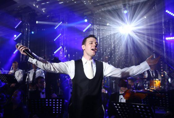 יונתן שינפלד חוזר עם סינגל חדש: 'באתי לגני' 8