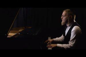 """הזמר והיוצר דייויד טויב בסינגל קליפ חדש: """"נשמתי"""""""