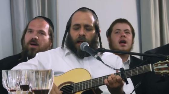 זאבי פריד מגיש:  ״ואני תפילתי״ קליפ חדש והכנה לימים הרחמים והסליחות 8
