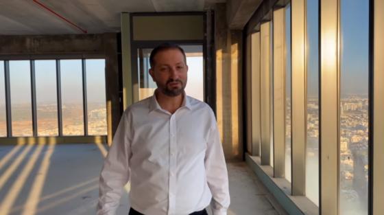 """ברק כהן בקליפ חדש: """"לב אחד גדול"""" 1"""