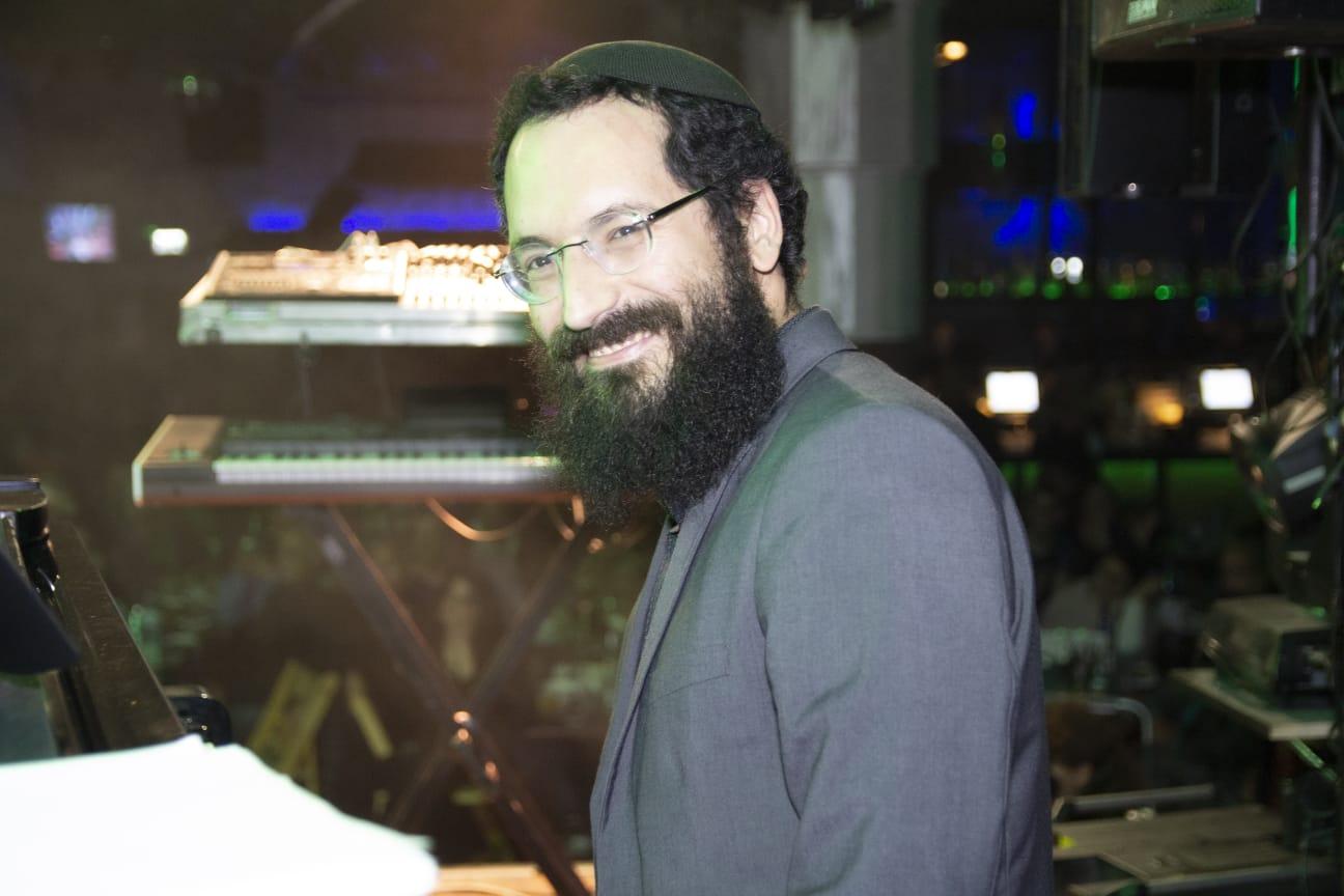 לכבוד יום הולדתו של הרבי: אחיה כהן - ניגון 'שאמיל' 10