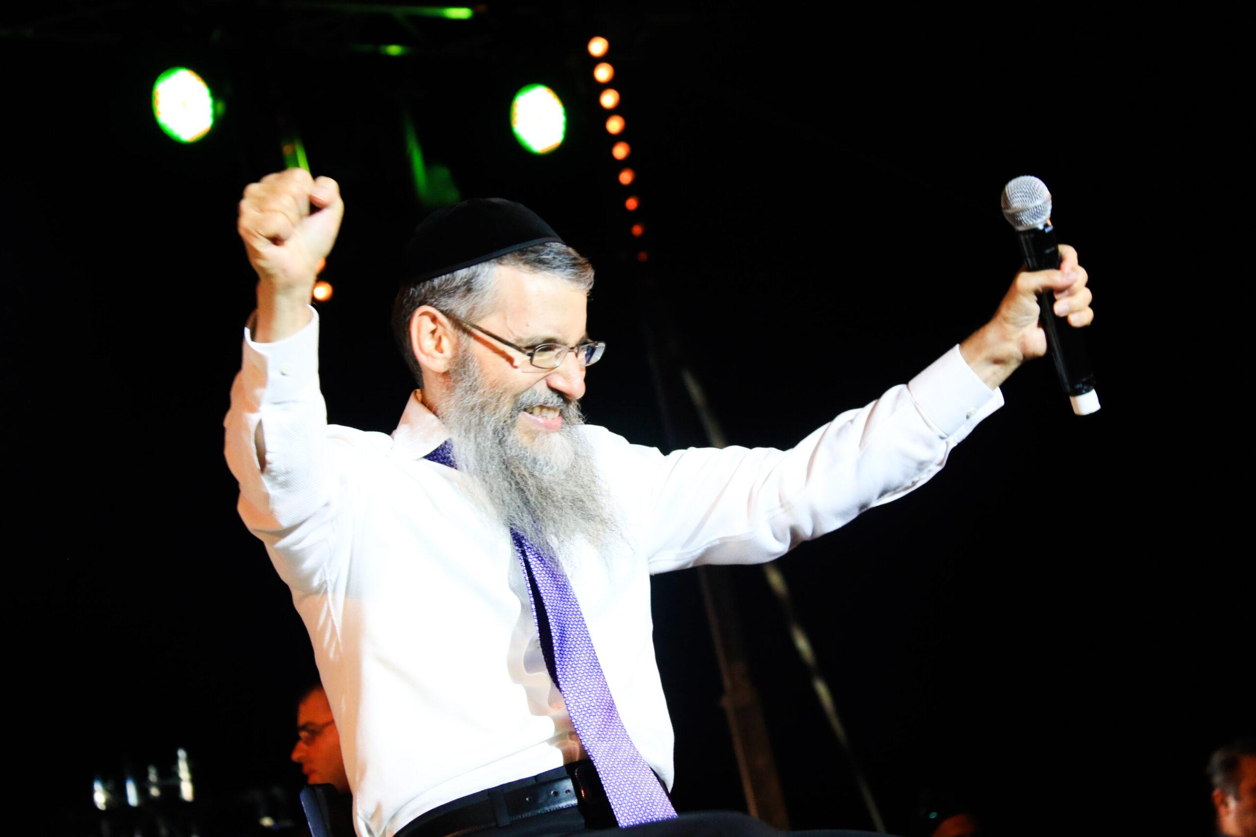 """שיר ראשון מתוך אלבום חסידי חדש: אברהם פריד עם """"אוטוטו"""" 10"""