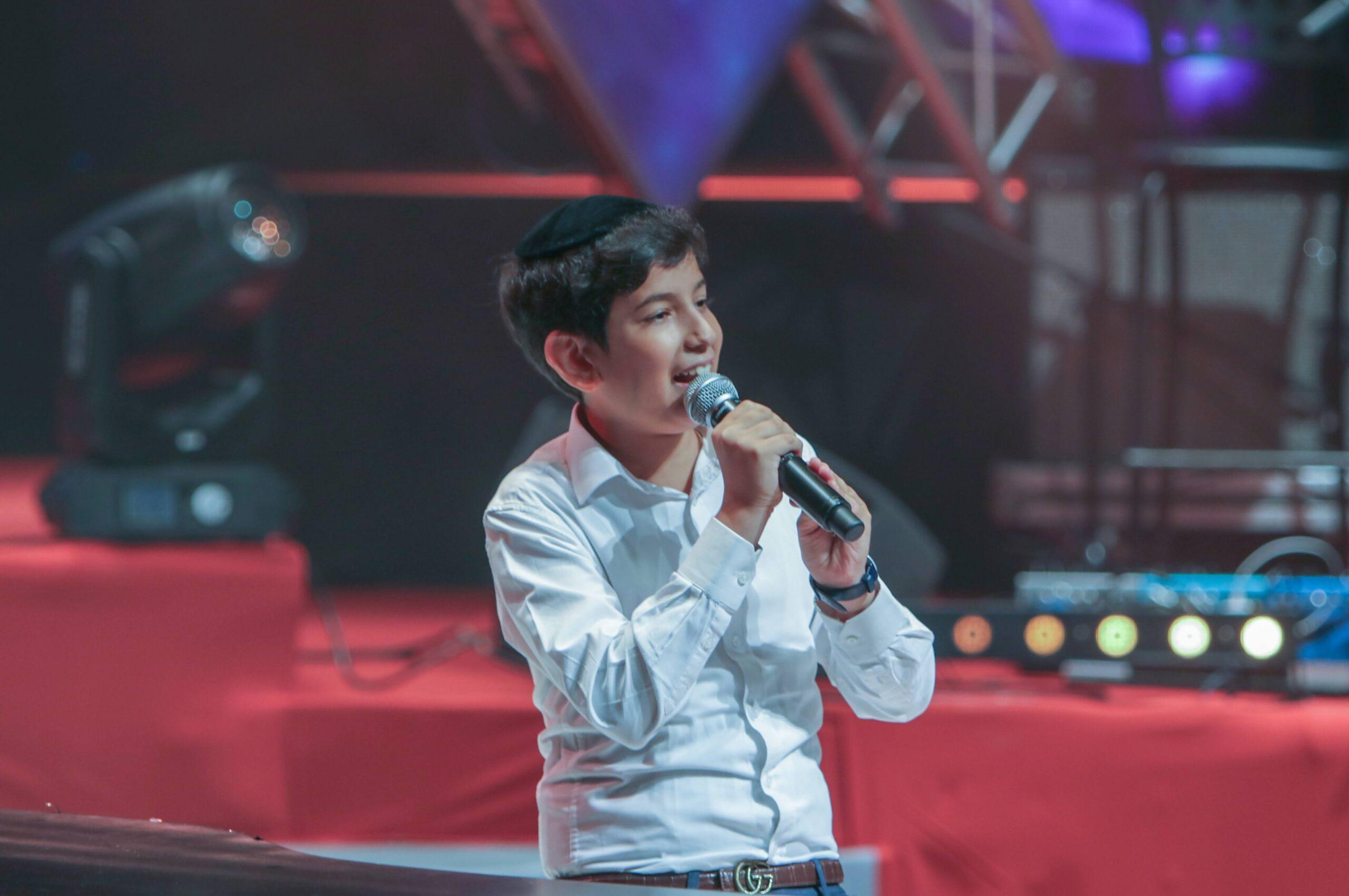 'באתי להודות': ילד הפלא יהונתן בן עזרא בסינגל בכורה 11