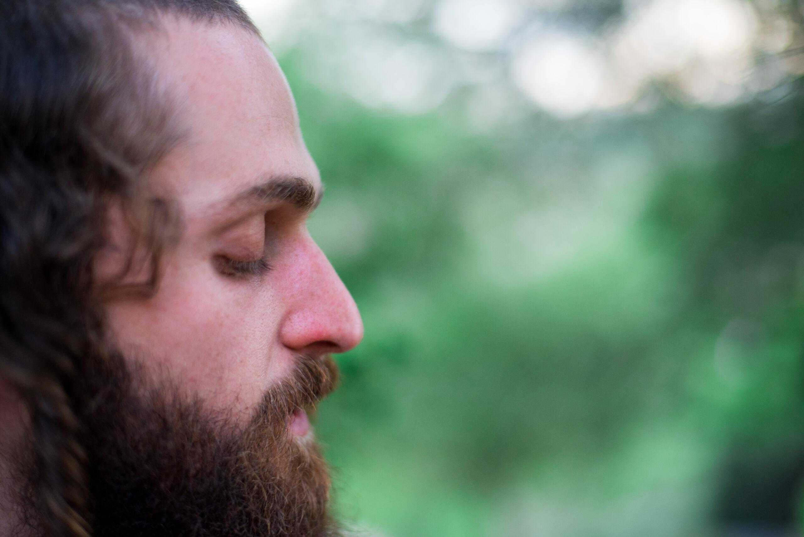שמואל פרדניק מרגש בסינגל חדש: 'חנון המרבה לסלוח' 8