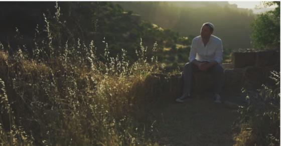 """יוסף פקר שופריו מתרחק מן הכעס בשיר חדש: """"אל תכעס"""" 1"""